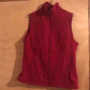 Red Columbia Vest. Like new.